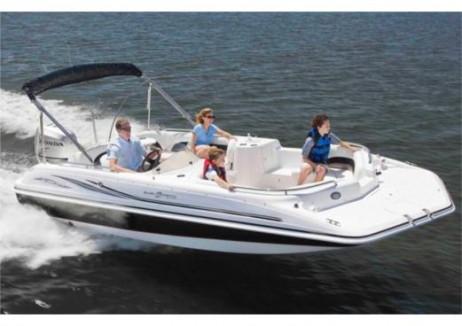 where can i rent boats in lauderdale beach