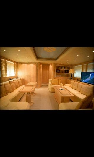 mangusta 86 foot yacht