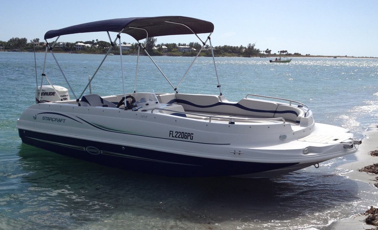 21ft Starcraft Deck Boat