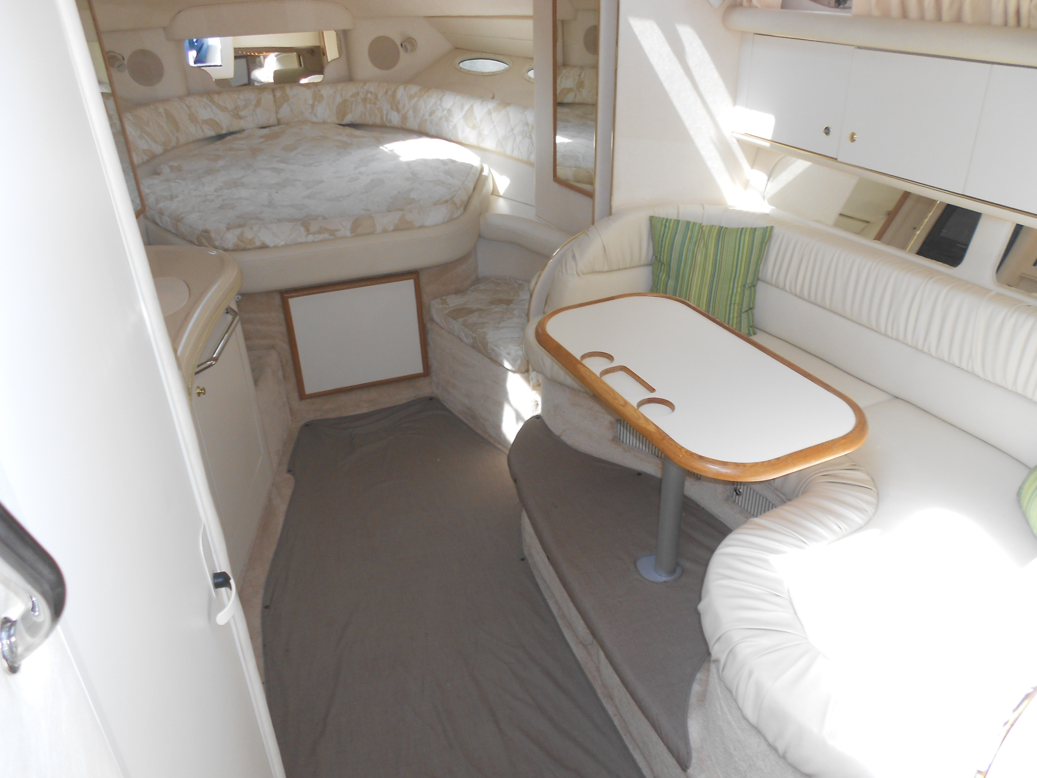 40 ft sea ray sundance yacht interior
