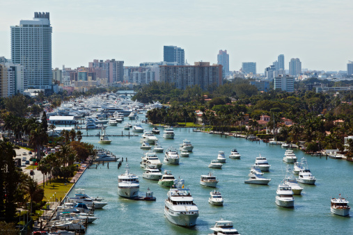 Where to Rent a Boat in Miami Beach
